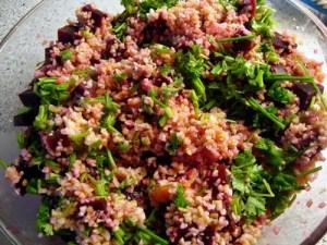 rødbede-bulgursalat, salat, bulgur, rødbeder, appelsiner, purløg, persille, koriander