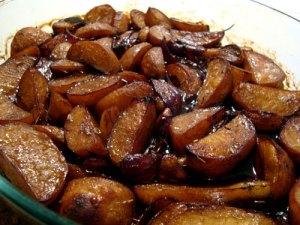 balsamico-stegte kartofler, kartofler, smør, rosmarin, hvidløg, rødløg, balsamico