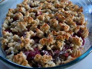 rabarber-jordbærtærte, tærte, rabarbertærte, jordbærtærte, rabarber, jordbær, rørsukker, vaniljesukker, vanilje, kokos, marcipan